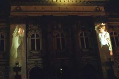 Krzysztof Wodiczko, Warsaw Projection, 2005. Public video projection at the Zachęta National Gallery of Art, Warsaw, Poland. Organized in conjunction with the retrospective exhibition Monument Therapy. Courtesy of the artist and Galerie Lelong, New York © the artist.
